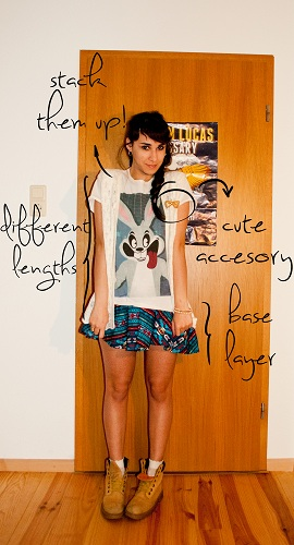 how to wear a boyfriend tee- layers