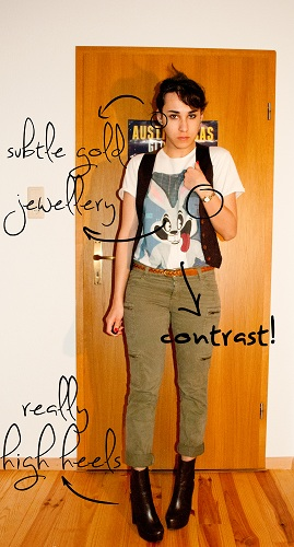 how to wear a boyfriend tee with high-waisted pants