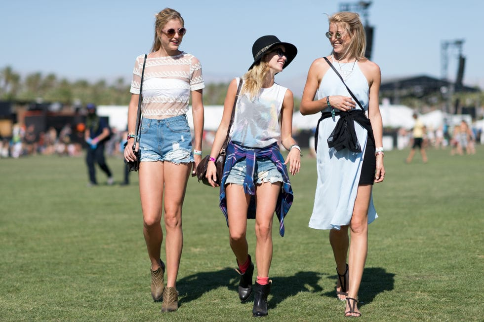 friends wearing casual looks