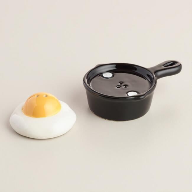 Egg salt and pepper set