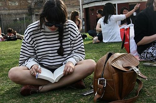 Elle Campus Reading Photo