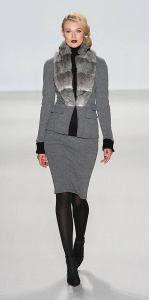 Elle gray suit runway