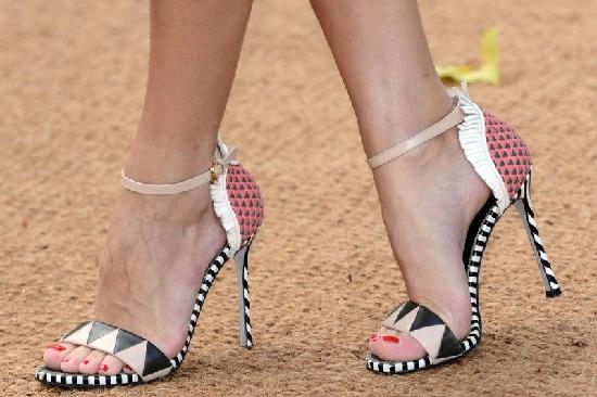 Elle high heels