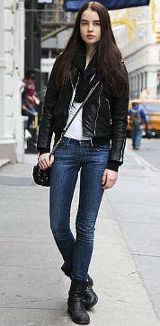 Elle white tee jeans bomber
