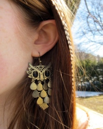 College street style fashion trend - owl jewelry