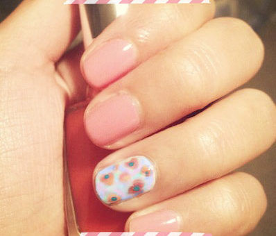 Floral nail art for Spring