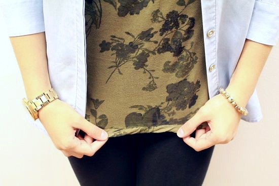 floral tee and gold jewelry