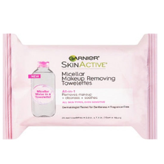 Best makeup wipes for college: Garnier Micellar makeup removing towelettes