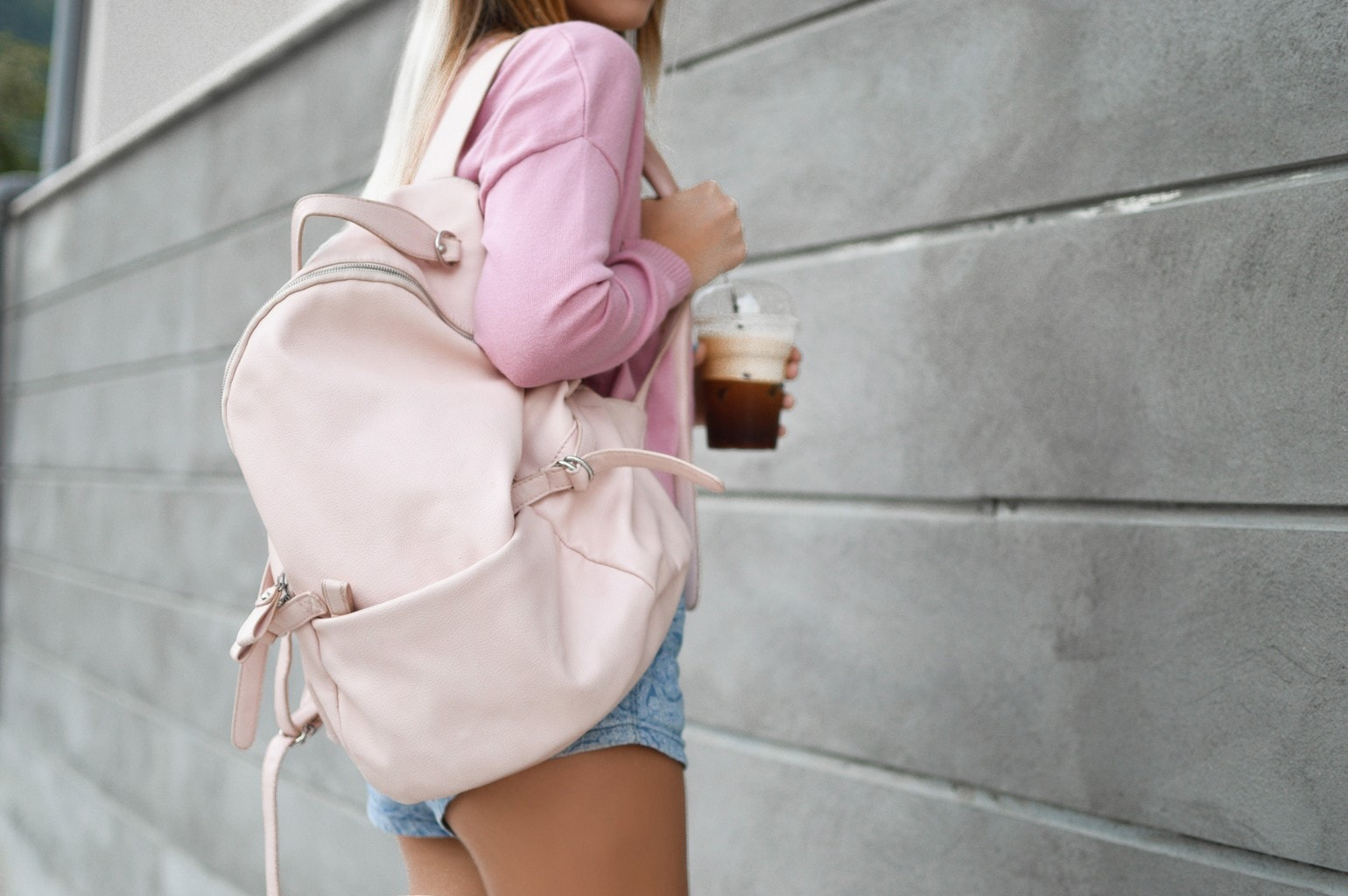 Wardrobe Essentials for College Girls - College Fashion