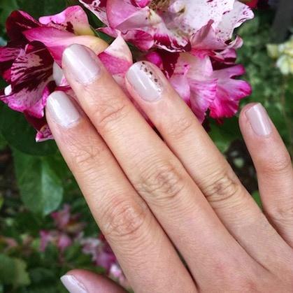 Glitter top coat nail art