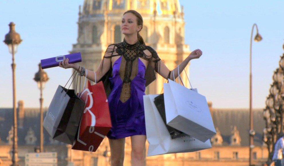Gossip Girl screenshot of Blair Waldorf shopping