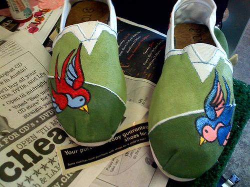 green-bird-toms