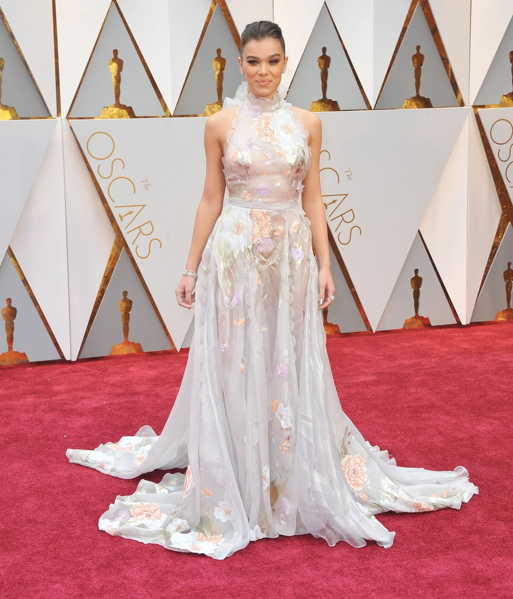 Hailee Steinfeld in Ralph & Russo at the 2017 Oscars
