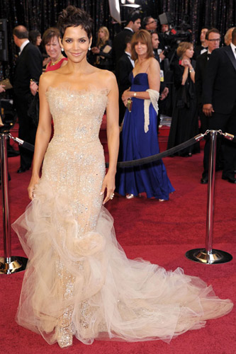 Halle Berry in a nude Marchesa dress on the 2011 Oscars red carpet