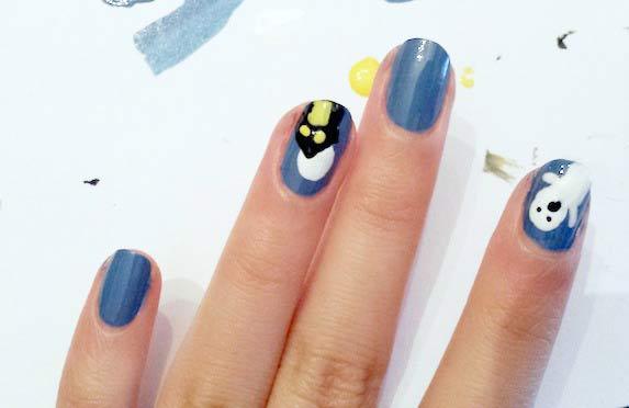 Haunted house nail art step 8