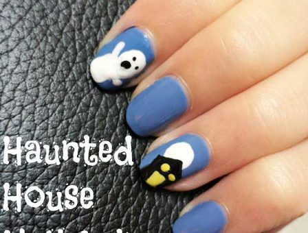 Haunted house nail art for Halloween!