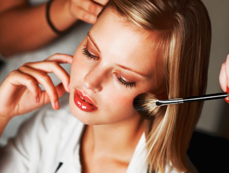 header makeup brush girl