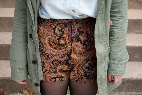 High waisted shorts college student trend