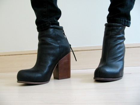 McGill University fashion - versatile boots