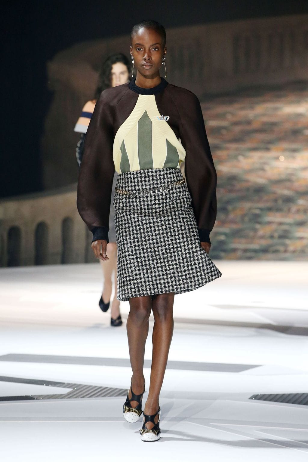 Fall 2018 fashion trends: Houndstooth seen on the runway at Louis Vuitton Fall 2018