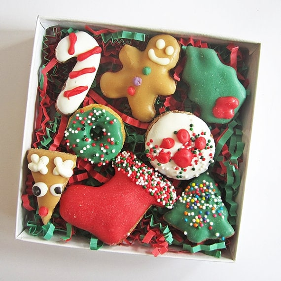 Christmas peanut butter dog treats from Etsy - best gifts under