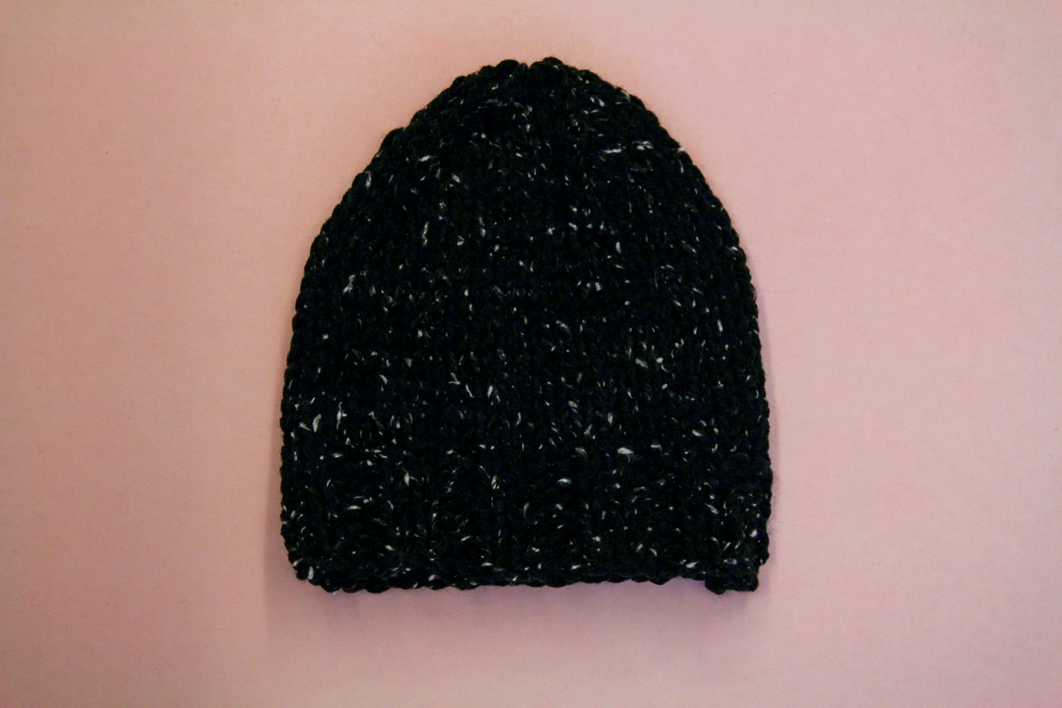 Learn to knit with this easy DIY beanie tutorial!