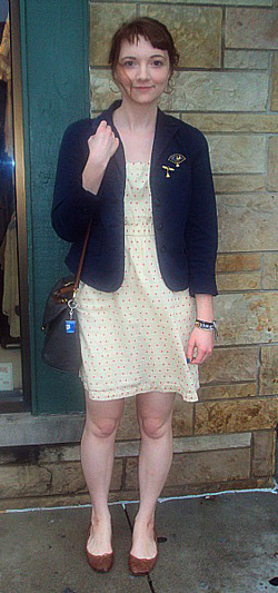 Fashion at Indiana University - college fashionista Lia wearing a navy jacket and spring dress