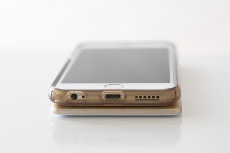 iPhone vs PERI GoCharge size comparison