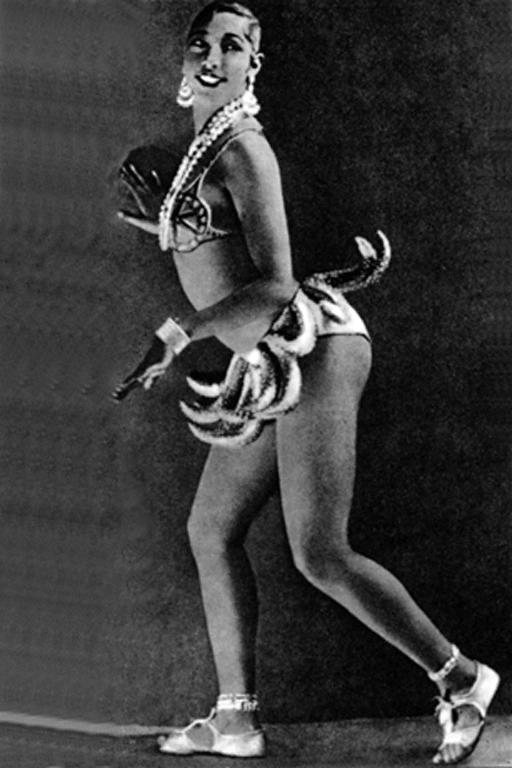 Josephine Baker in her famous Banana Skirt