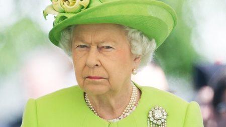 Judgy Queen Elizabeth