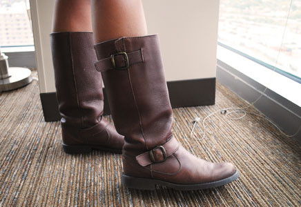 BU street style with college fashionista Justine - Fierce motorcycle boots