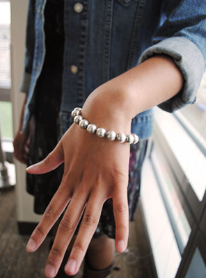 BU street style with college fashionista Justine - signature bracelet