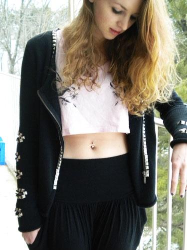 Fashion at Wesleyan University - studded sweater, crop tee and harem pants