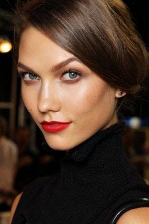 Karlie kloss red lips