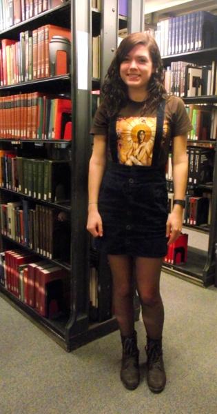Katie - college fashionista from Loyola University Chicago