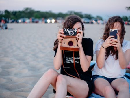 friends, beach, taking pictures, camera