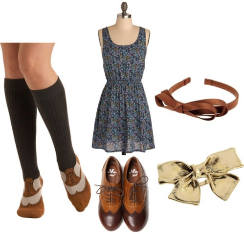 Outfit to show you how to wear knee socks in the summer