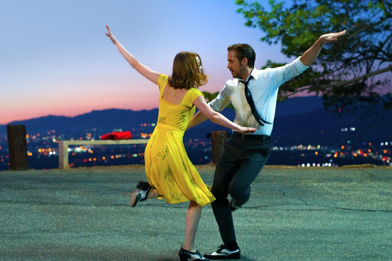 Emma Stone and Ryan Gosling dancing in the movie La La Land