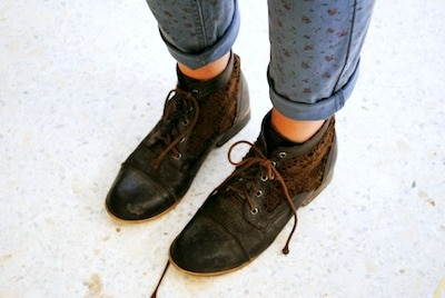Lace brogues on campus style