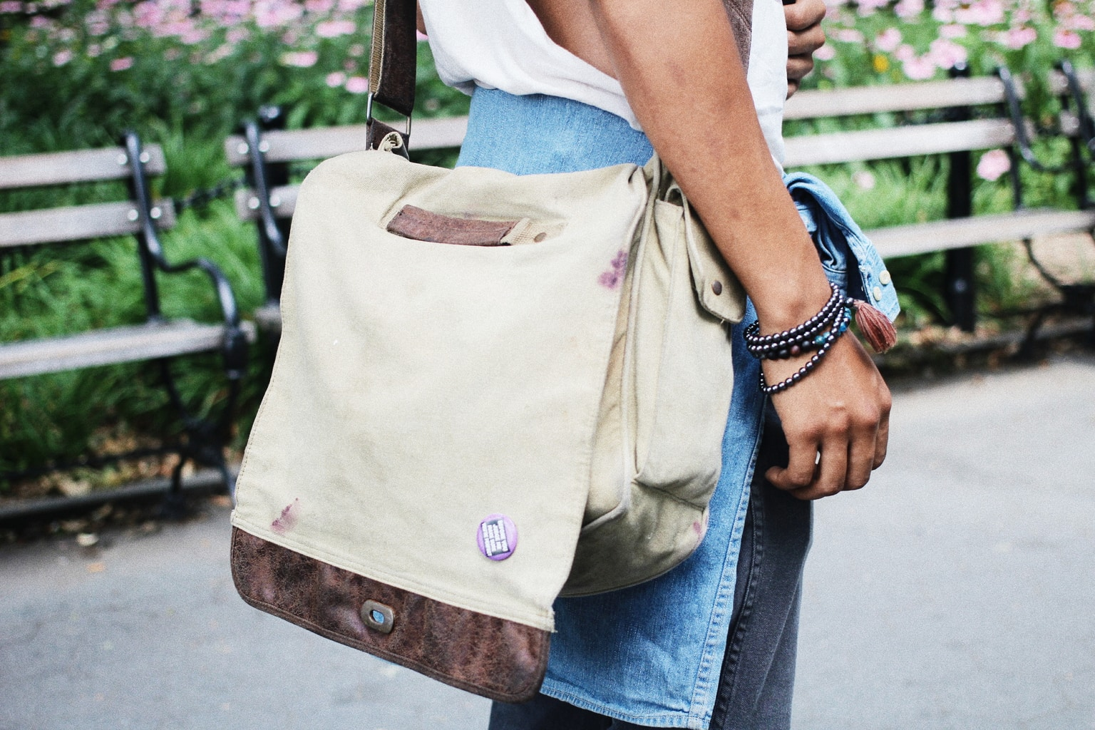Vintage messenger bag on campus at NYU - guy's style