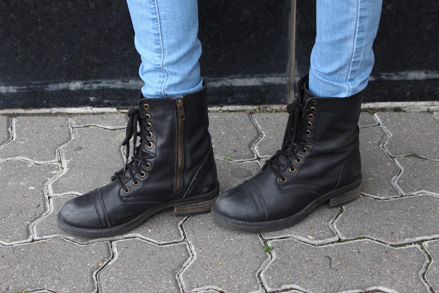 LOC-SAIT-Magda-Boots