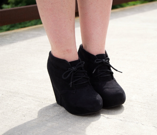 LOC-SUNYO-Rachel-Shoes