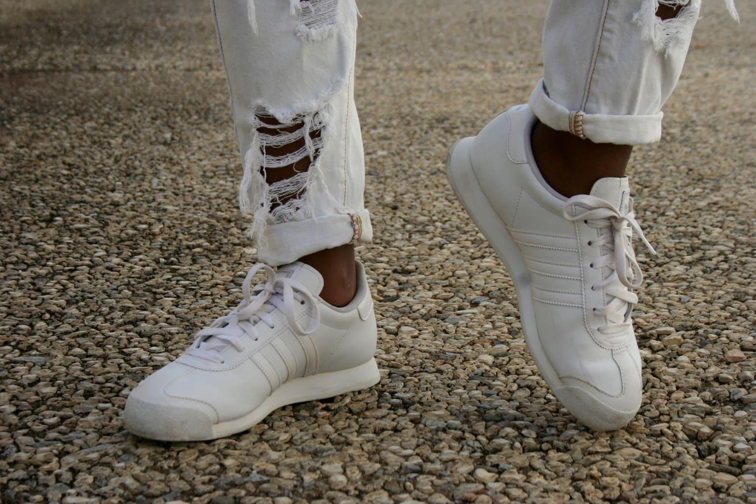 LOC-UA=Angel-Shoes