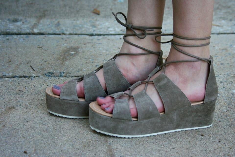 LOC-UGA-Hayley-Shoes
