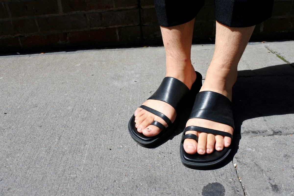 LOC-UM-D-Sandals