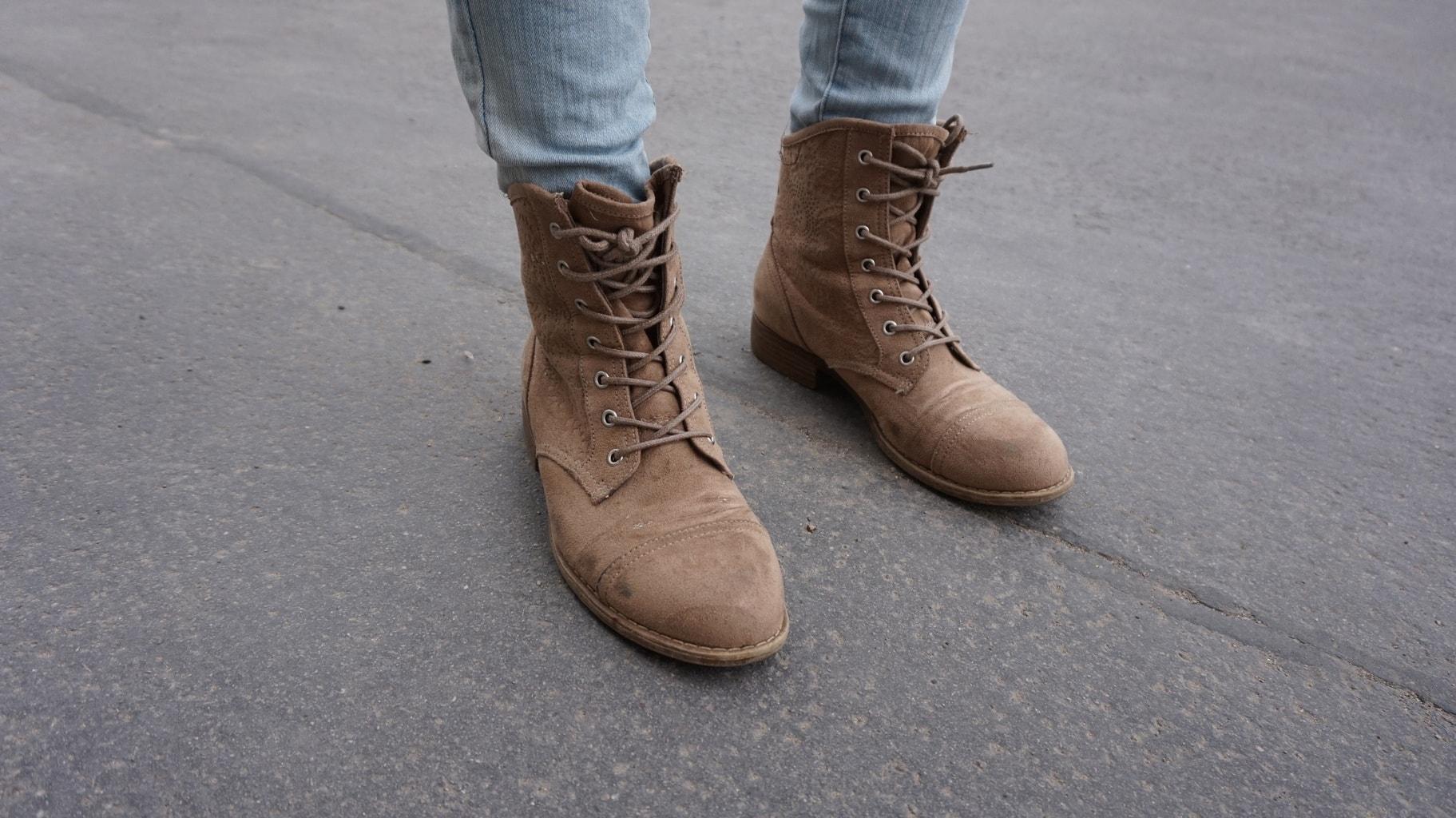 LOC-UV-Isabella-Shoes