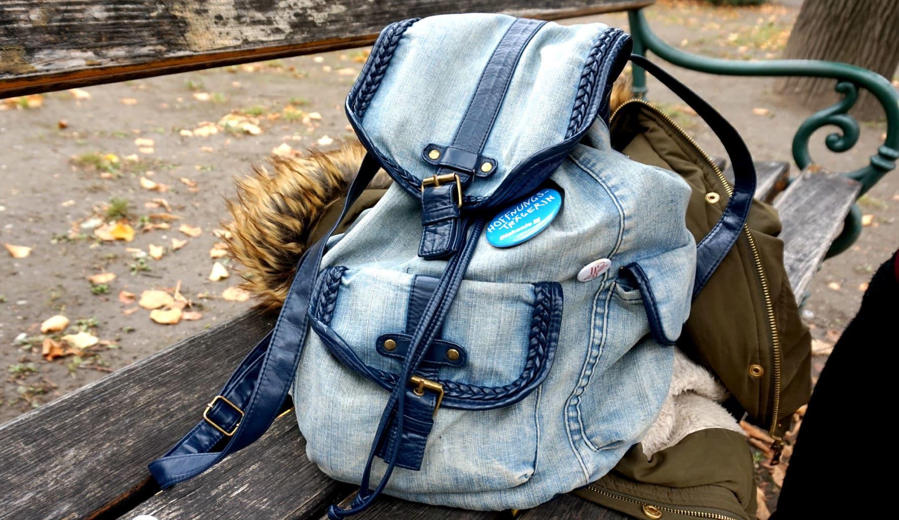 LOC-UV-Kristina-Backpack