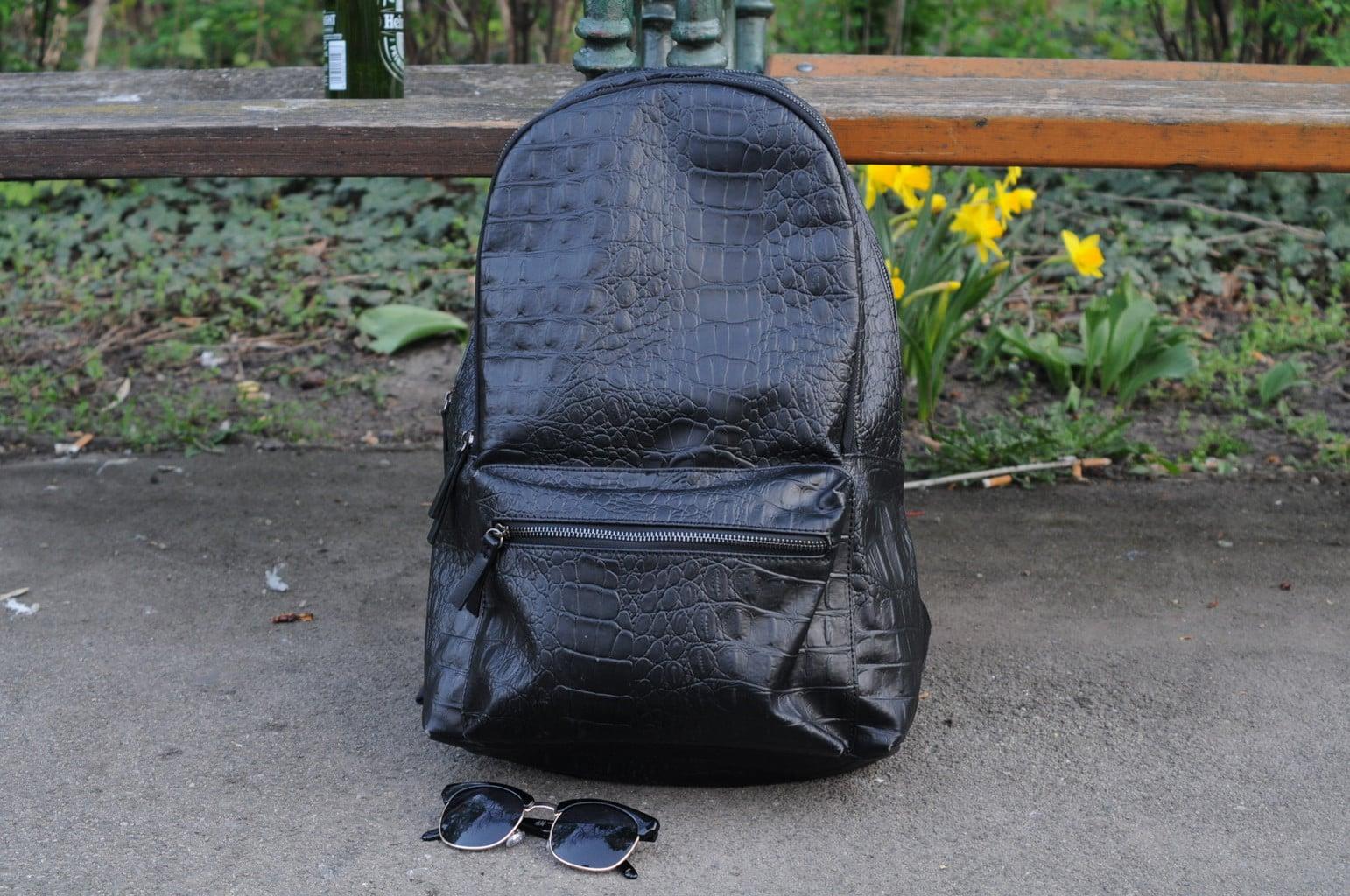 LOC-UV-Tobias-Bag