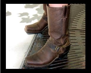 looks-on-campus-Houston-boots