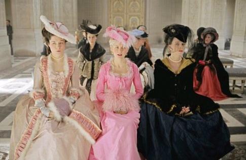 Tips on how to dress like Marie Antoinette